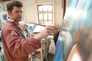 Glyn Macey is a dynamic young British artist - he hosts this trip to Paint in Morocco