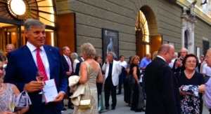 Enjoy a hosted drinks reception at the Salzburg Festival
